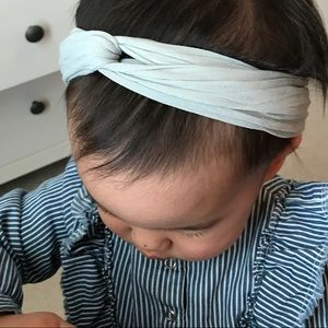baby bling Accessories - Baby Bling Twist Headband in Gray 06986ccb35e